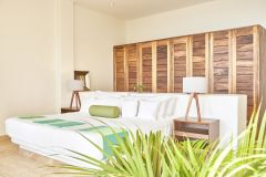 master-bedroom-green