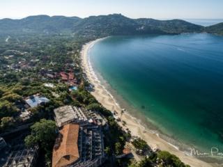 Aerial-Zihuatanejo-playa-la-ropa2
