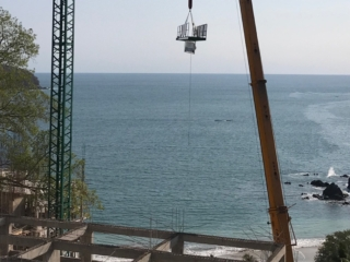 Crane-being-removed